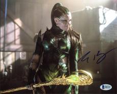 Elizabeth Banks Power Rangers Signed 8X10 Photo BAS #B81297