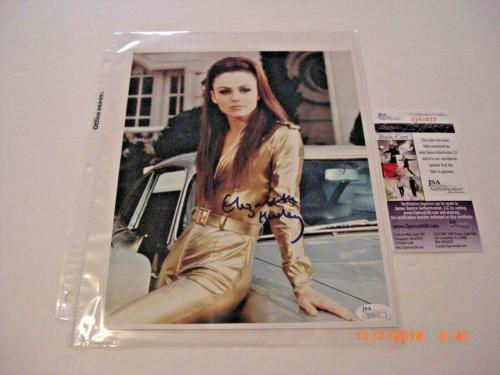 Elizabeth Hurley Famous Actress Jsa/coa Signed 8x10 Photo