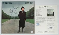 Elton John Signed A Single Man Record Album Jsa Loa Y57059