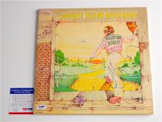 Elton John Signed Goodbye Yellow Brick Road Record Album Psa Coa P64287