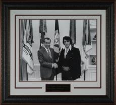 """Elvis Presley & Richard Nixon """"White House Meeting&"""