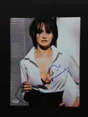 Emily Mortimer Signed 11x14 Photo Autograph Psa Coa Proof The Newsroom Cars