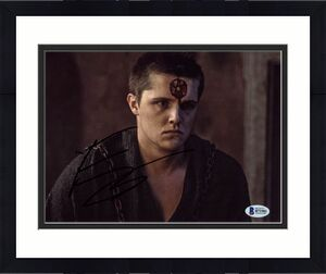 Eugene Simon Game Of Thrones Signed 8X10 Photo Autographed BAS #B71981