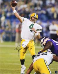 Brett Favre Green Bay Packers Autographed 16'' x 20'' TD Pass vs. Minnesota Vikings Photograph - Mounted Memories