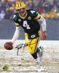 Brett Favre Green Bay Packers Autographed 8'' x 10'' The Flip Photograph - Mounted Memories