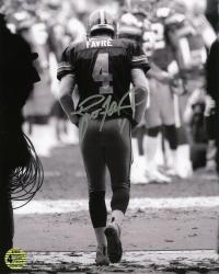 Brett Favre Green Bay Packers Autographed 8'' x 10'' The Tunnel Photograph - Mounted Memories