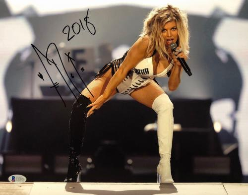 Fergie Signed 11x14 Photo *Black Eyed Peas *White Orchid *Model Beckett E37079
