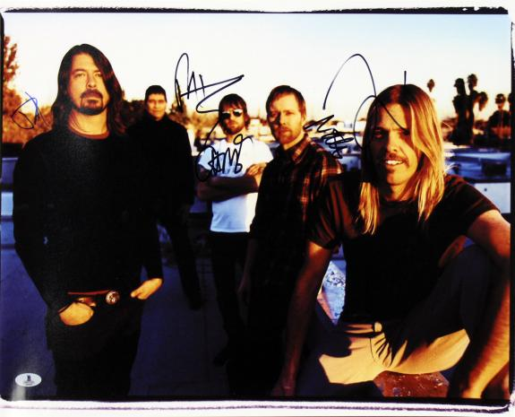 Foo Fighters (5) Grohl, Smear, Mendel, Hawkins +1 Signed 16x20 Photo BAS #A02022