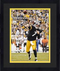 Framed Ben Roethlisberger Pittsburgh Steelers Autographed 16'' x 20'' Vertical Passing Photograph