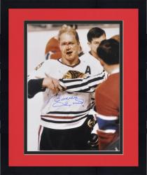 Framed Chicago Blackhawks Bobby Hull Autographed 16'' x 20'' Photo