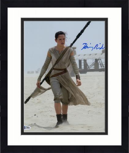 """Framed Daisy Ridley Autographed 11"""" x 14"""" Star Wars The Force Awakens On Jakku Planet Photograph - Beckett"""