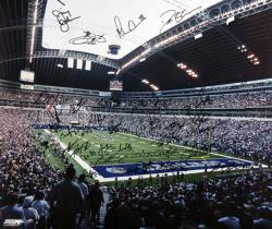 Framed Dallas Cowboys Autographed 20'' x 24'' Photo