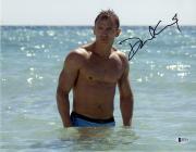 Framed Daniel Craig Signed Horizontal 11x14 Photo James Bond in Water Beckett