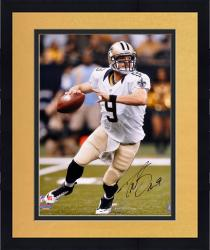 Framed Drew Brees New Orleans Saints Autographed 16'' x 20'' Look To Pass Photograph