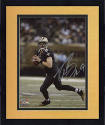Framed Drew Brees New Orleans Saints Autographed 8'' x 10'' Scramble Photograph