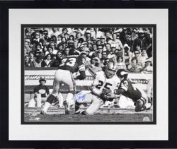 Framed Fred Biletnikoff Autographed Picture - Oakland 16x20 Mounted Memories