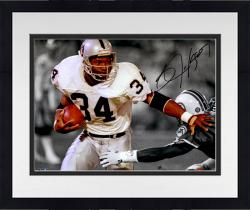 Framed JACKSON, BO AUTO (RAIDERS/SPOTLIGHT) 11X14 PHOTO - Mounted Memories