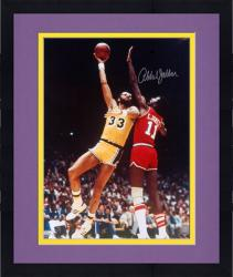Framed Kareem Abdul-Jabbar Los Angeles Lakers Autographed 16'' x 20'' Sky Hook Photograph