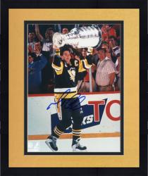 Framed LEMIEUX, MARIO AUTO (PENGUINS/HOLDING UP CUP) 8X10 PHOTO - Mounted Memories