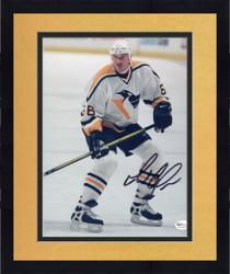 Framed LEMIEUX, MARIO AUTO (PENGUINS/WHITE JERSEY/STILL) 8X10 PHOTO - Mounted Memories