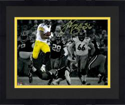"Framed Le'Veon Bell Pittsburgh Steelers Autographed 11"" x 14"" Spotlight Rushing vs Green Bay Packers Photograph"
