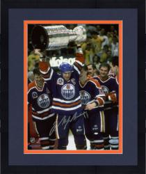 Framed MESSIER, MARK AUTO (OILERS/WITH CUP) 8X10 PHOTO - Mounted Memories