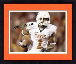 Framed Mike Davis Texas Longhorns Autographed 8'' x 10'' White Uniform Horizontal Photograph