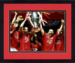 """Framed Ryan Giggs Manchester United Autographed 16"""" x 12"""" Photograph"""