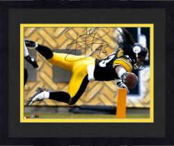 Framed Troy Polamalu Pittsburgh Steelers Autographed 16'' x 20'' TD Dive Photograph