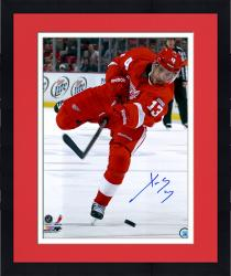 "Framed Pavel Datsyuk Detroit Red Wings Autographed 16"" x 20"" Photograph"