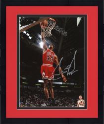 Framed Scottie Pippen Chicago Bulls Autographed 8'' x 10'' Dunk Solo Photograph