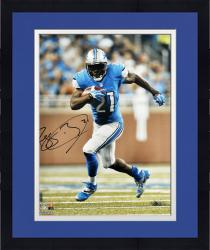 Framed Reggie Bush Detroit Lions Autographed 16'' x 20'' Vertical Running Photograph
