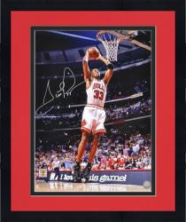 Framed Scottie Pippen Chicago Bulls Autographed 16'' x 20'' Dunk Photograph