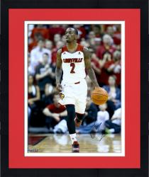 Framed Russ Smith Louisville Cardinals Autographed 16'' x 20'' White Uniform Dribble Photograph - Mounted Memories