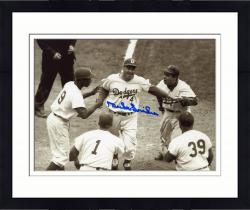Framed SNIDER, DUKE AUTO (DODGERS/B/W/WITH TEAMMATES) 8X10 PHOTO - Mounted Memories