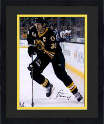 Framed Zdeno Chara Boston Bruins Autographed 16'' x 20'' Vertical With Puck Photograph