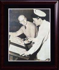 Frank Sinatra Rat Pack signed 7.5 x 9 photo framed vintage auto PSA /DNA LOA