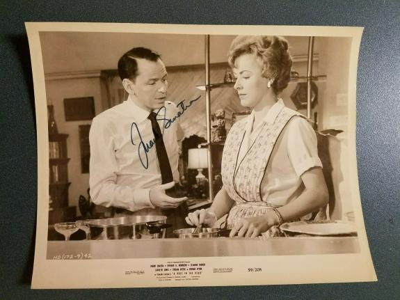 Frank Sinatra -signed photo-77c - JSA COA -- Vintage Photo
