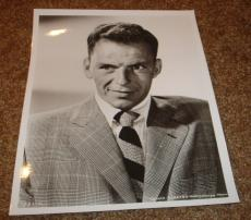 Frank Sinatra Vintage Black & White 8X10 Suit Photo 614