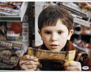 Freddie Highmore Charlie & Chocolate Factory Signed 11X14 Photo PSA/DNA #M97503