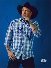 "Garth Brooks Autographed 8"" x 10"" Singing Photograph - Beckett COA"