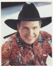 Garth Brooks Autographed Country Music 8x10 Photo