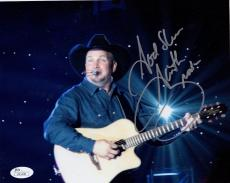 GARTH BROOKS HAND SIGNED 8x10 COLOR PHOTO      AWESOME POSE IN CONCERT      JSA