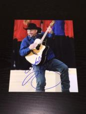 GARTH BROOKS SIGNED AUTOGRAPH LEGENDARY COUNTRY SINGER ON STAGE 8x10 PHOTO COA