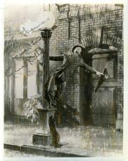 Gene Kelly Singin In The Rain Signed Psa/dna 8x10 Photo Authenticated Autograph