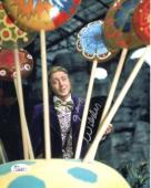 GENE WILDER HAND SIGNED 8x10 COLOR PHOTO       BEST POSE AS WILLY WONKA      JSA