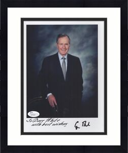 GEORGE BUSH HAND SIGNED 8x10 COLOR PHOTO      RARE     INCREDIBLE POSE       JSA