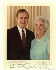 George H.W. Bush & Barbara Bush Signed 8X10 Photo PSA/DNA #AB10699