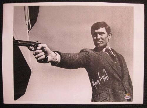 George Lazenby Hand Signed James Bond 16x20 Canvas 007 Auto PSA/DNA COA E