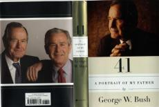 George W. Bush Autographed Signed A Portrait Of My Father Book AFTAL UACC RD COA